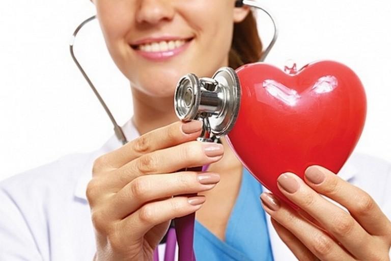 В Никополе столичные врачи бесплатно проконсультируют людей с больным сердцем